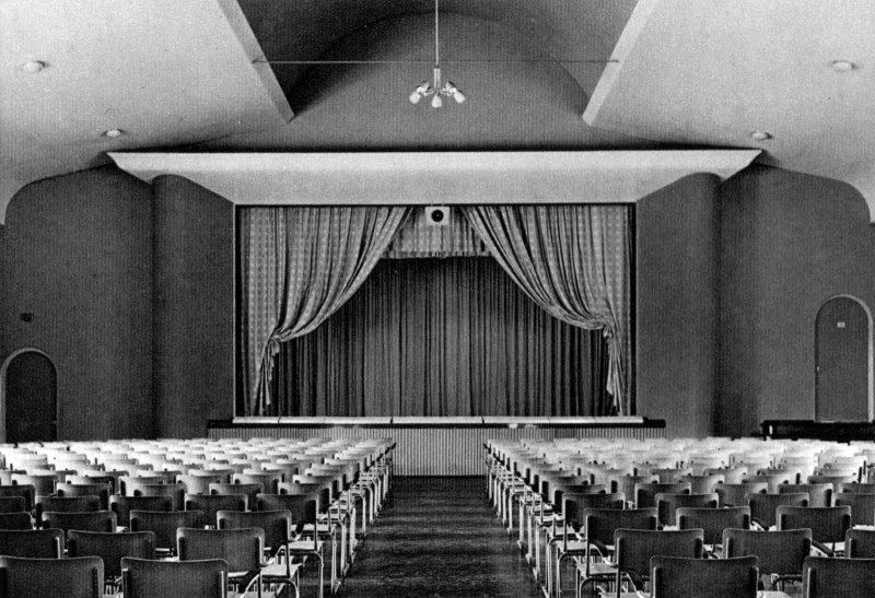 Aula van het Constantijncollege Amersfoort 1957. Nu: het Nieuwe Eemland.