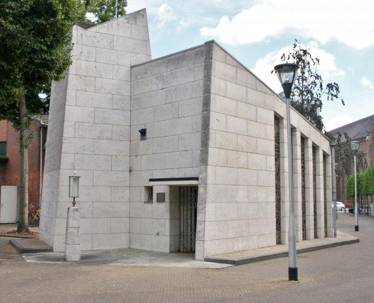Westzijde Kapel OLV ter Nood Tilburg