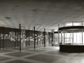 Centrale hal LTS Jan Truijenlaan Tilburg met kunstwerk Jan Dijker