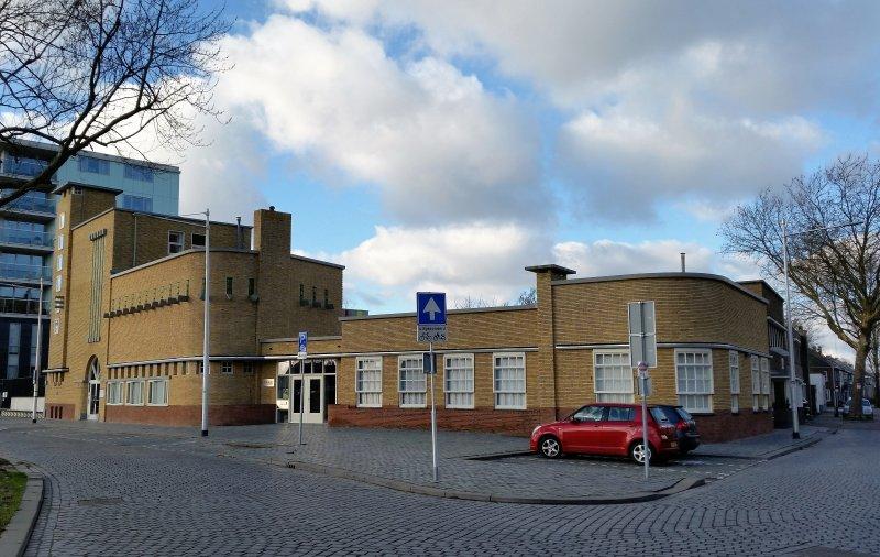 Piushaven 1 Tilburg. Voormalige meelfabriek A.C. van Loon.