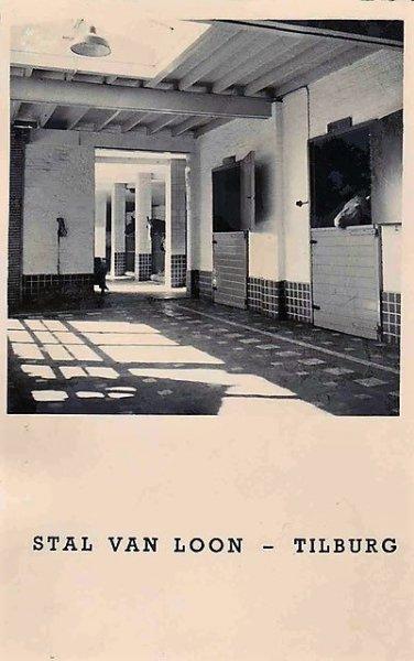 Piushaven 1, voormalige stal van loon