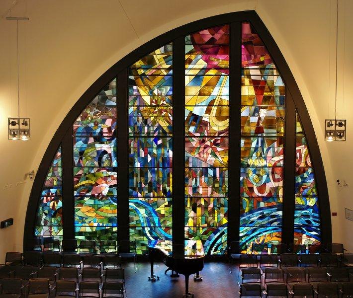 Glas in lood ramen Marius de Leeuw kapel JBZ