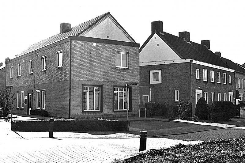 Voormalig Rijks politiebureau Michiel de Ruijterstraat 28/Prins Clauslaan 1-3 Waalre