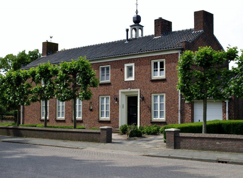Pastorie St. Martinuskerk Voorstraat Velddriel