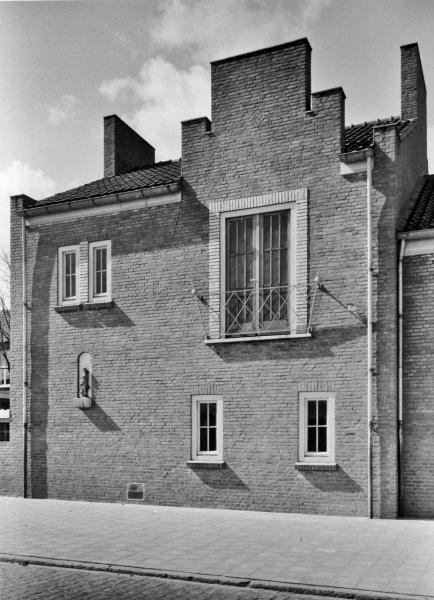 Parochiehuis Stuivesantplein 2 Tilburg